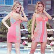 Сорочки, беби-долл: Обтягивающее платье с кружевными вставка...
