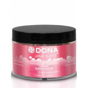 Цветная соль для ванны Dona Pamper Me Pretty Flirty с феромонами – ягодный, 215 г