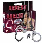 Металлические наручники со связкой ключей...